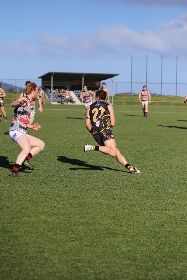 Round 18 – Lauderdale Bombers squeak past desperate Tigers to win